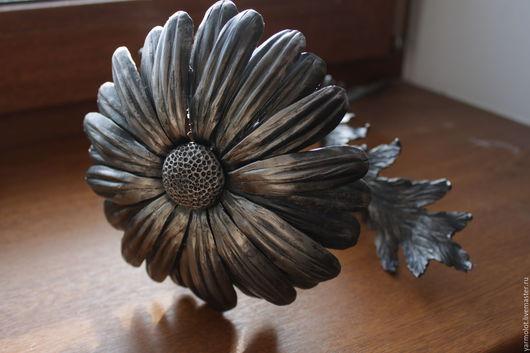 Персональные подарки ручной работы. Ярмарка Мастеров - ручная работа. Купить Кованая ромашка. Handmade. Серый, кованый цветок, металл