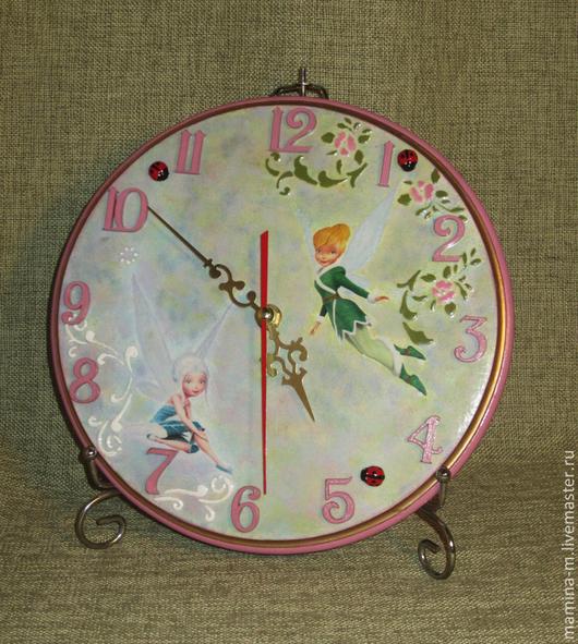 «А вы верите в фей?» Часы в детскую (диаметр 24,5 см.).  МамиНа мастерская. Ярмарка мастеров.