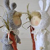 Куклы и игрушки ручной работы. Ярмарка Мастеров - ручная работа текстильная куколка ЗАЯ с морковкой. Handmade.