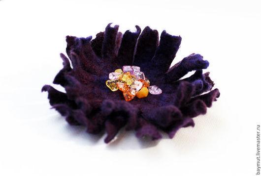 Броши ручной работы. Ярмарка Мастеров - ручная работа. Купить Фиолетовый цветок-брошь из войлока с самоцветами. Handmade. Войлочная роза