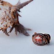Кольца ручной работы. Ярмарка Мастеров - ручная работа Кольцо с сердоликом резное из дуба «Ноябрьский огонек». Handmade.