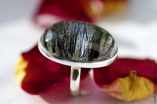 """Кольца ручной работы. Ярмарка Мастеров - ручная работа. Купить Кольцо с кварцем-волосатиком """"Графика"""", серебро, турмалиновый кварц. Handmade."""