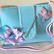 Работы для детей, ручной работы. Ярмарка Мастеров - ручная работа Бирюзовая сумочка из фетра+заколочка. Handmade.