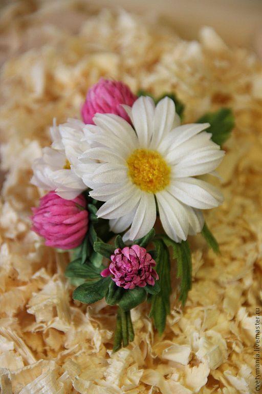 """Цветы ручной работы. Ярмарка Мастеров - ручная работа. Купить """"АПРЕЛЬ"""". Handmade. Брошь, цветы ручной работы, цветы в украшении"""