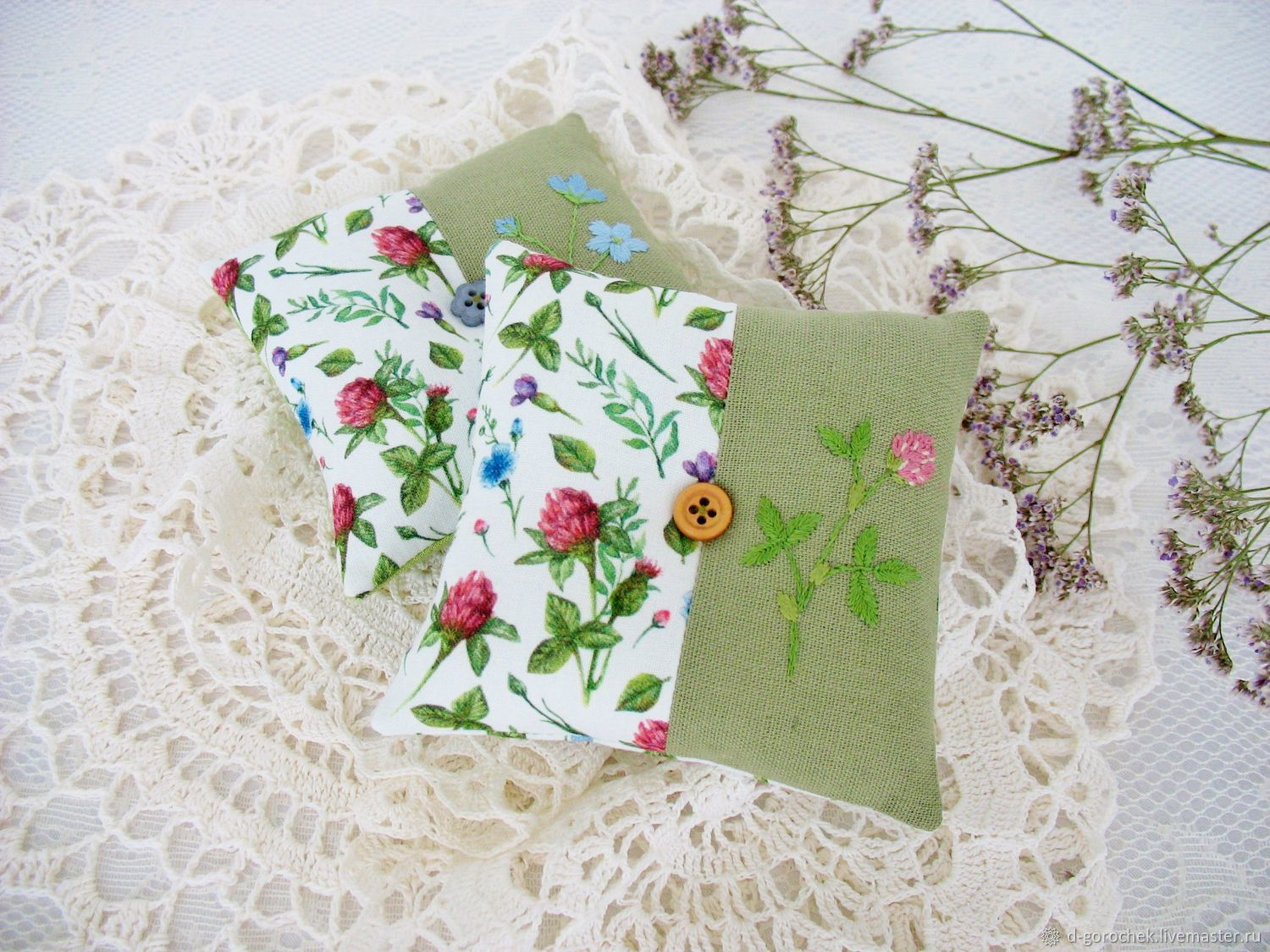 Needle box with hand embroidery ' Meadow flowers', Needle beds, Ekaterinburg,  Фото №1