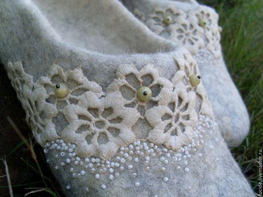 """Обувь ручной работы. Ярмарка Мастеров - ручная работа. Купить тапочки """" Кружево """". Handmade. Тапочки ручной работы"""