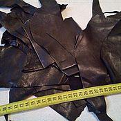 Материалы для творчества ручной работы. Ярмарка Мастеров - ручная работа Кусочки (обрезки) тонкой одежной кожи в наборах - черная. Handmade.