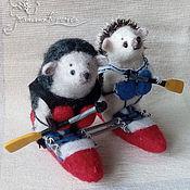 Куклы и игрушки ручной работы. Ярмарка Мастеров - ручная работа Ежики на катамаране. Handmade.
