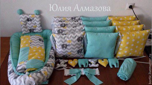 Пледы и одеяла ручной работы. Ярмарка Мастеров - ручная работа. Купить Комплект в детскую кроватку. Бортики, лоскутное одеяло, кокон.. Handmade.