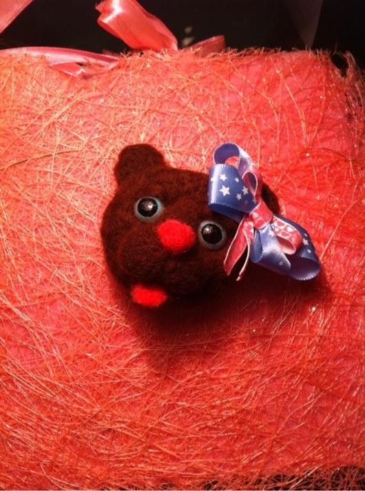 Игрушки животные, ручной работы. Ярмарка Мастеров - ручная работа. Купить Мишка брошь. Handmade. Мишка, Валяние, аксессуары