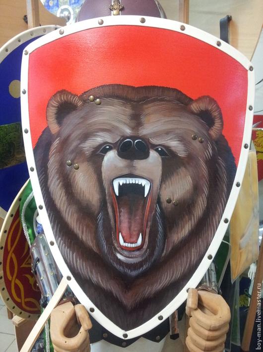 Щит треугольный расписной Медведь