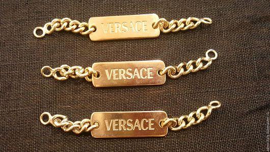 Аппликации, вставки, отделка ручной работы. Ярмарка Мастеров - ручная работа. Купить Нашивка-вешалка «Versace». Handmade. Золотой