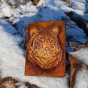 """Канцелярские товары ручной работы. Ярмарка Мастеров - ручная работа Обложка для паспорта """"Тигр"""". Handmade."""