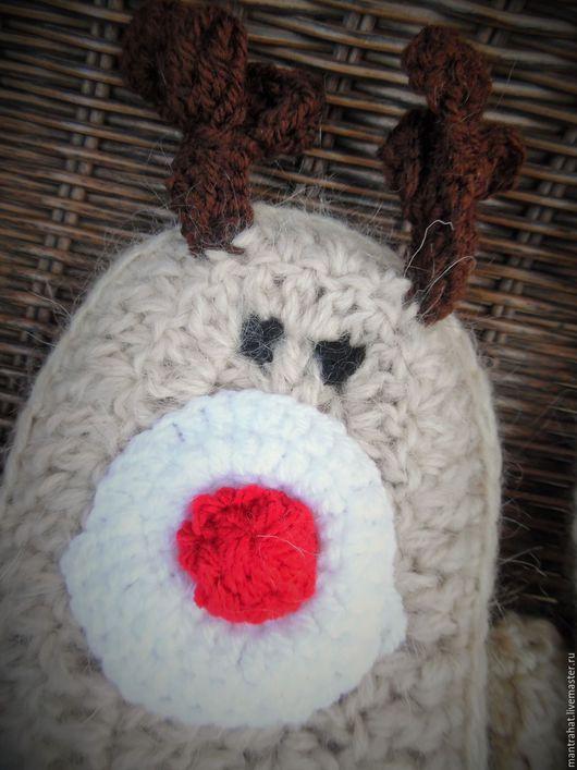 """Варежки, митенки, перчатки ручной работы. Ярмарка Мастеров - ручная работа. Купить Подарочные варежки """"Reindeer Rudolph"""". Handmade. Бежевый"""