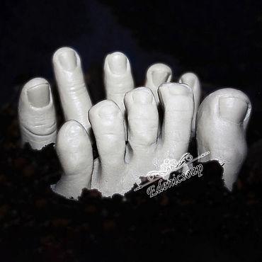 """Косметика ручной работы. Ярмарка Мастеров - ручная работа """"Конечности"""" мыло сувенирное подарок хеллоуин оригинальный. Handmade."""