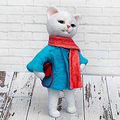 Куклы и игрушки ручной работы. Ярмарка Мастеров - ручная работа Кошечка-модница. Интерьерная игрушка из шерсти. Handmade.