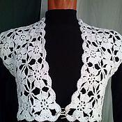 Одежда ручной работы. Ярмарка Мастеров - ручная работа нарядный белый жилетик из мотивов. Handmade.