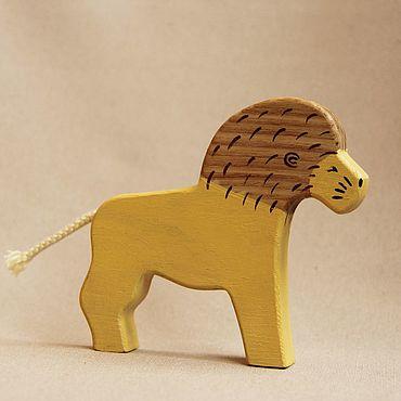 Деревянная игрушка - Лев