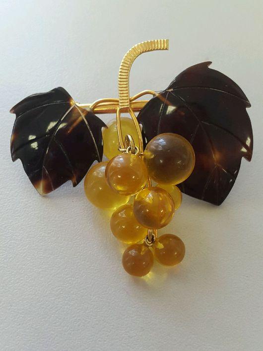 Винтажные украшения. Ярмарка Мастеров - ручная работа. Купить Виноградная гроздь брошь винтаж Япония. Handmade. Бакелит, бакелит