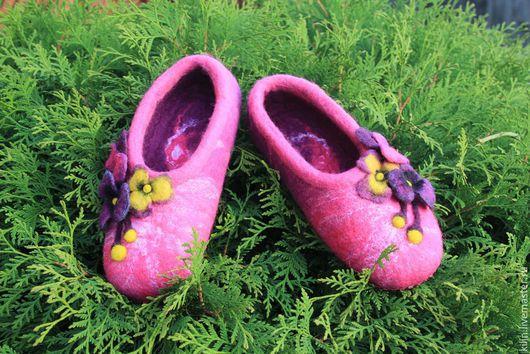 Обувь ручной работы. Ярмарка Мастеров - ручная работа. Купить Войлочные тапочки ФИАЛКА. Handmade. Фуксия, лето