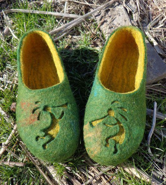 """Обувь ручной работы. Ярмарка Мастеров - ручная работа. Купить """"Кокопелли"""". Тапочки валяные. Handmade. Зеленый, женские тапочки"""
