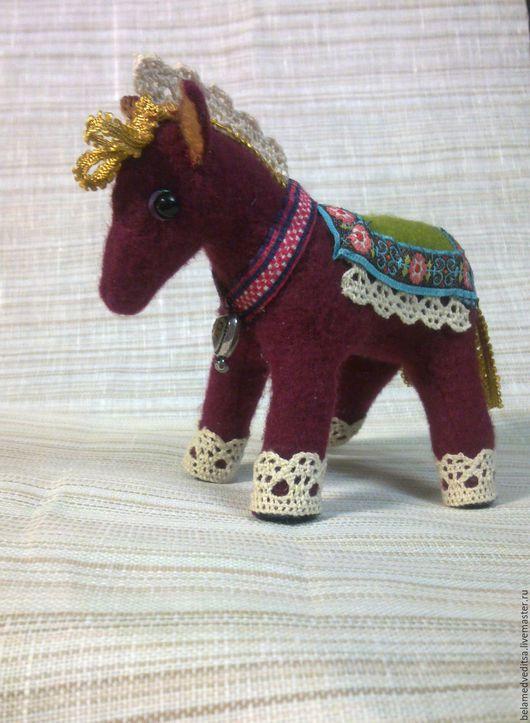 Игрушки животные, ручной работы. Ярмарка Мастеров - ручная работа. Купить Пони мягкая игрушка из фетра. Handmade. Лошадка текстильная