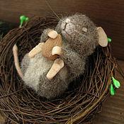 Куклы и игрушки ручной работы. Ярмарка Мастеров - ручная работа Мышонок с орешком. Сухое валяние.. Handmade.