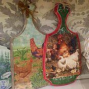 Подарки к праздникам ручной работы. Ярмарка Мастеров - ручная работа Разделочные доски Петухи и курочки. Handmade.