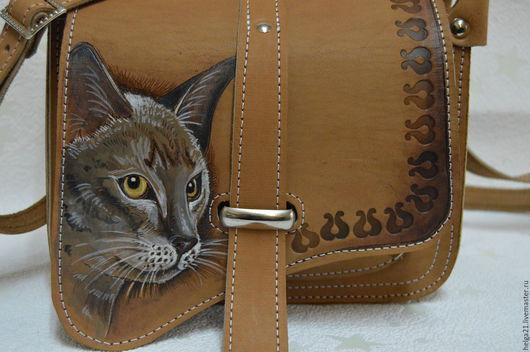 Мужские сумки ручной работы. Ярмарка Мастеров - ручная работа. Купить кожаная сумка с  ручной росписью  кошка (сумка из кожи). Handmade.