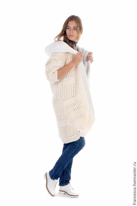 Пальто вязаное шерстяное с капюшоном на меху  - модно и тепло. Дизайнерская одежда ручной работы. Cashmere Francesca