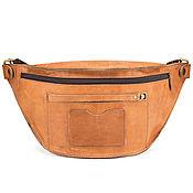 """Сумки и аксессуары handmade. Livemaster - original item Кожаная сумка на пояс """"Клайд"""" (песочный крейзи). Handmade."""