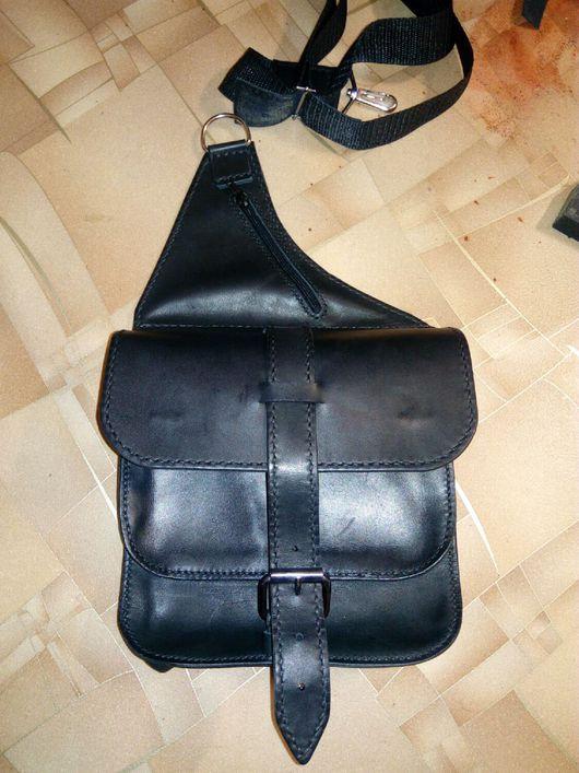 Мужские сумки ручной работы. Ярмарка Мастеров - ручная работа. Купить Наплечная мужская кожаная сумка. Handmade. Натуральная кожа