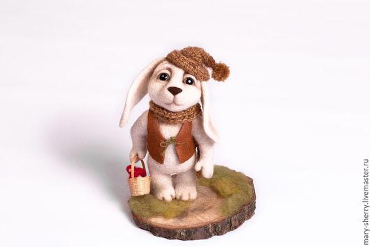 """Игрушки животные, ручной работы. Ярмарка Мастеров - ручная работа. Купить """"Лесничий"""" валяный заяц. Handmade. Бежевый, лесничий, гриб"""
