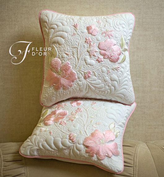 Декоративные подушки: 5 секретов дизайна интерьера