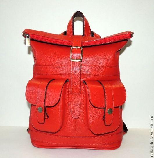 Яркий, эффектный рюкзачок, приятный на ощупь – хозяйка данного рюкзачка, несомненно, будет испытывать только положительные эмоции, пользуясь таким аксессуаром!