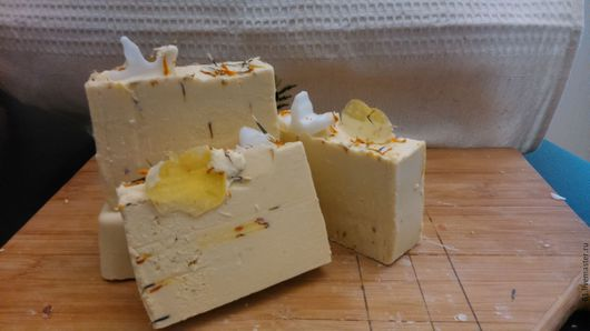 """Мыло ручной работы. Ярмарка Мастеров - ручная работа. Купить мыло с нуля """"Молочная радость"""". Handmade. Белый, мыло в подарок"""