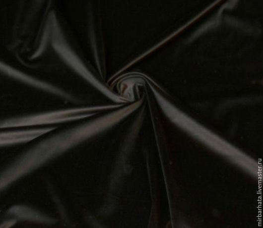 Бархат черный хлопковый 2 вида . Производство Италия. Первый -ширина - 135 см. Второй - 130 см. разные поставки. Состав - 95% СО, 5% ЕА Стоимость - 23 $ за погонный метр.