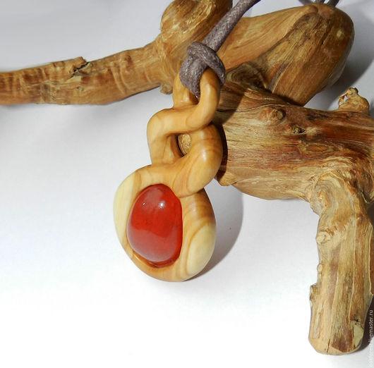 """Кулоны, подвески ручной работы. Ярмарка Мастеров - ручная работа. Купить Кулон из дерева с сердоликом """"Лава"""" (сирень). Handmade. сирень"""