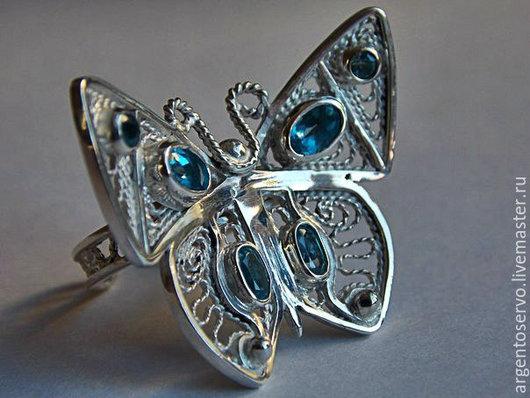 Кольца серебренные бабочки  `Вдохнувшие  душу`, выполненные в технике филигрань с натуральными вставками: гранат,хризолит,аметист,цитрин (выбор камней по Вашему вкусу и желанию)