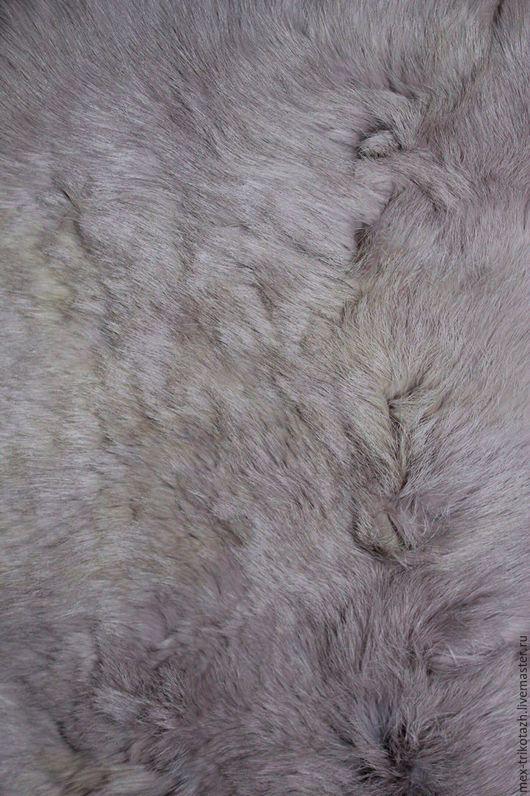 Мех для изготовления нити подбирается и изготавливается из шкурок высшей и первой категории.