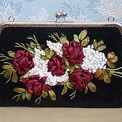 """Классическая сумка ручной работы. Ярмарка Мастеров - ручная работа Сумочка, вышитая лентами """"Букет для любимой"""". Handmade."""