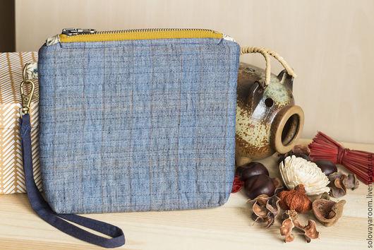 Женские сумки ручной работы. Ярмарка Мастеров - ручная работа. Купить Льняная сумка-косметичка синяя с молнией горчичного цвета. Handmade.