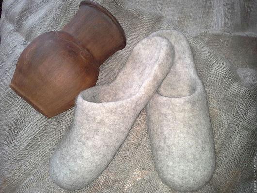 Обувь ручной работы. Ярмарка Мастеров - ручная работа. Купить Валяные шлепки. Handmade. Войлочные тапки, подарок маме, рустик