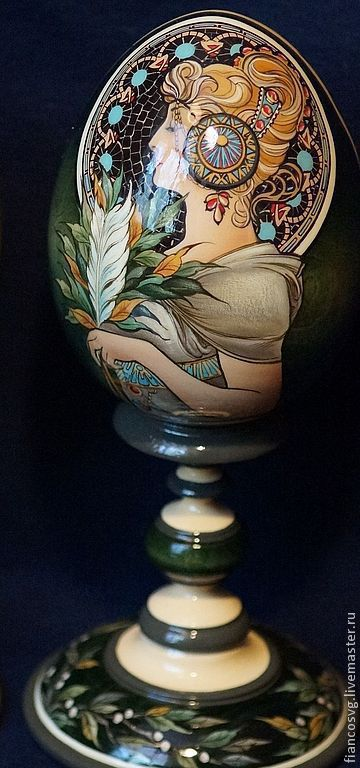 А.Муха (дама с пером)