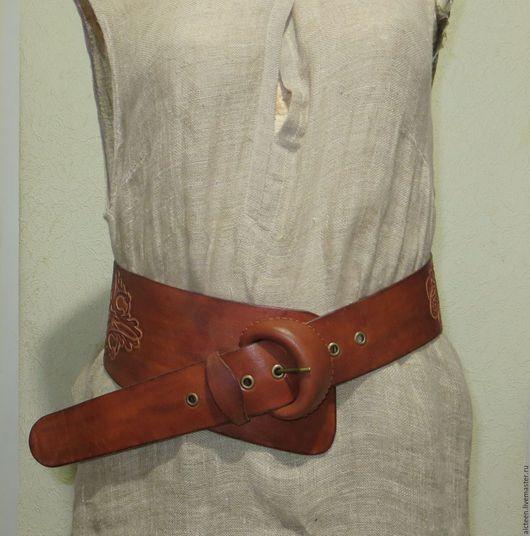 Пояса, ремни ручной работы. Ярмарка Мастеров - ручная работа. Купить Гравированный асимметричный кожаный пояс. Handmade. Коричневый