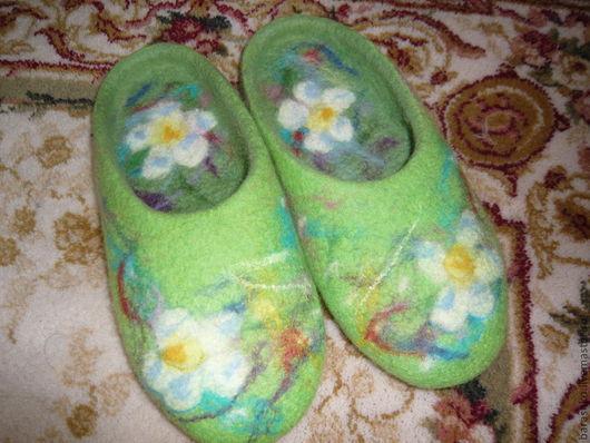 Обувь ручной работы. Ярмарка Мастеров - ручная работа. Купить Тапочки валяные женские цветные. Handmade. Зеленый, тапочки женские