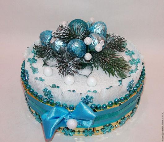 """Новый год 2017 ручной работы. Ярмарка Мастеров - ручная работа. Купить Торт из шоколада """"Сказочный мир"""". Handmade. Голубой, елка"""