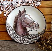 Картины и панно ручной работы. Ярмарка Мастеров - ручная работа Декоративная тарелка на стену для любителей лошадей. Handmade.