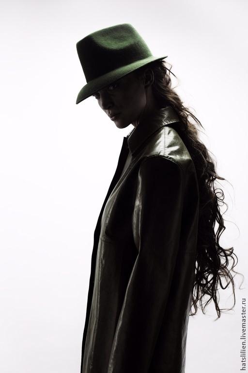 Шляпы ручной работы. Ярмарка Мастеров - ручная работа. Купить Фетровая шляпа в мужском стиле, темно-зеленая. Handmade. Болотный