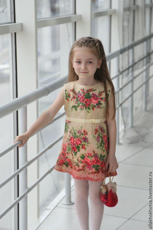Одежда для девочек, ручной работы. Ярмарка Мастеров - ручная работа. Купить Валяное платье для девочки. Handmade. Бежевый, Павлопосадский платок
